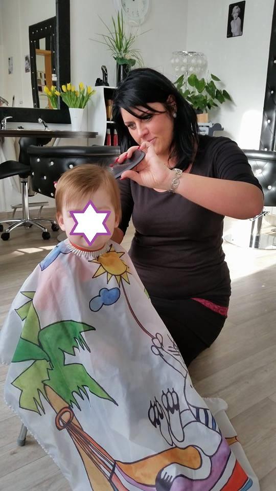 Friseurin Steffi mit einem Erstäter